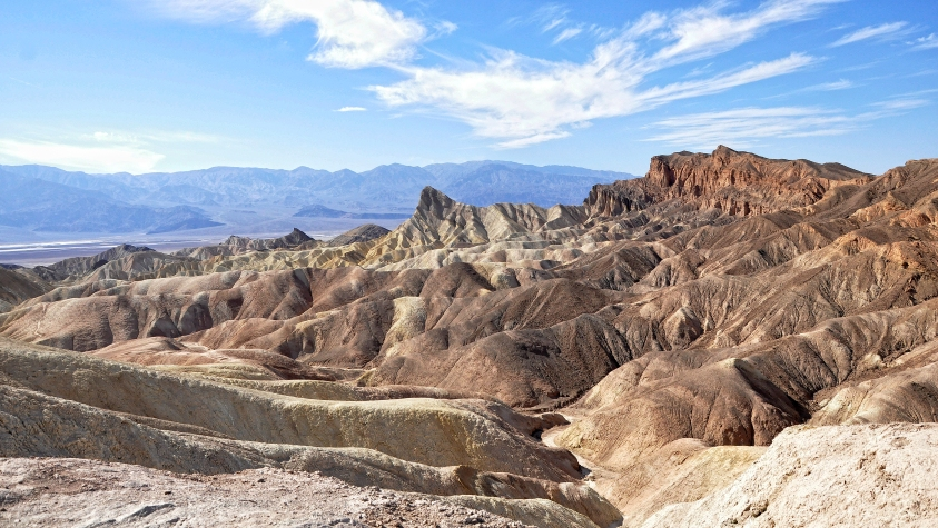 Death_Valley_Zabriskie_Point_met_Manly_Beacon_7-10-2012_14-41-39